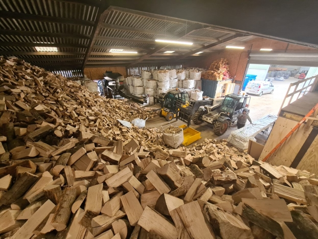 Firewood for sale in northants, Banbury Logs, Bicester Logs, Towcester Logs, Brackley Logs,  Logs in Finmere, Finmere logs