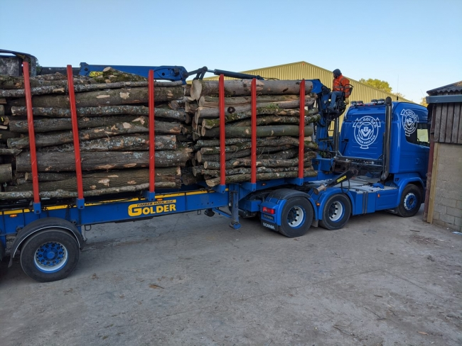 Logs for Sale Brackley, Logs for Sale towcester, Logs for Sale silverstone, Logs for Sale bicester, Logs for Sale banbury, kindling for sale brackley, kindling for sale towcester, kindling for sale silvertsone, Banbury Logs, Bicester Logs, Towcester Logs, Brackley Logs, Logs in Finmere, Finmere logs